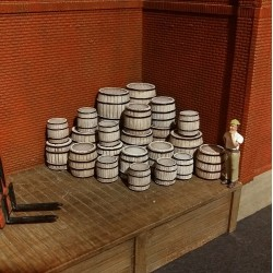 H077 Mix Wood Barrels 24pcs